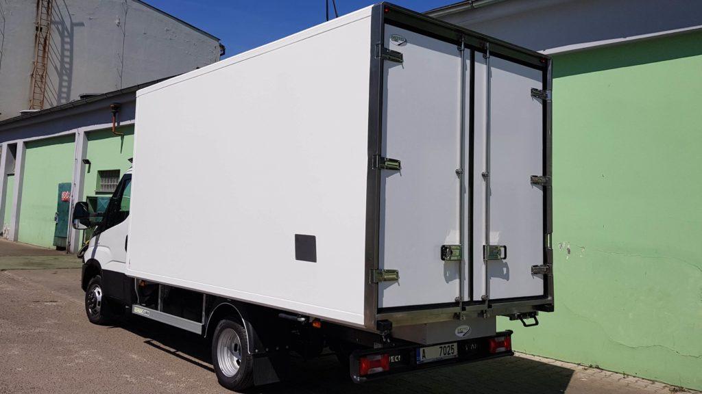 Chladírenská skříňová nástavba Iveco Daily