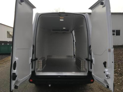 Chladirenska prestavba Renault Master