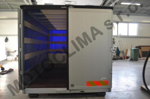 Natahovaci-plachtovy-kontejner