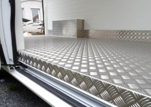 Zesílená podlaha auto